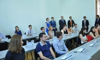 SAMSUNG-ის პრეზიდენტმა საქართველოში სმარტ სკოლა გახსნა