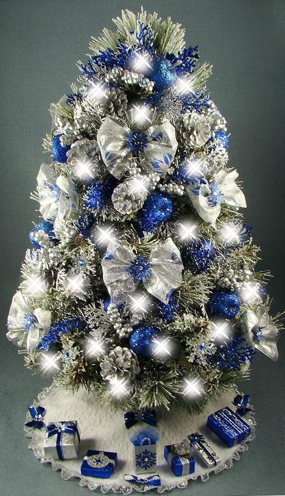 silver-and-blue-christmas-decorating-tree-ideas