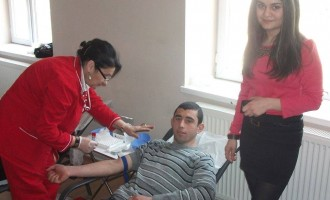გორელმა სტუდენტებმა ლეიკემიით დაავადებული ბავშვების დასახმარებლად სისხლი გაიღეს