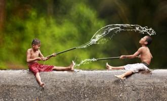 თვითნასწავლი ფოტოგრაფის ნამუშევრები – ინდონეზიის სოფლების ყოველდღიური ცხოვრება