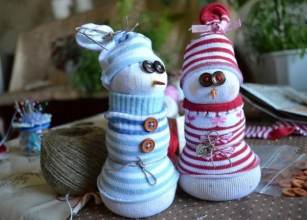 5566955-R3L8T8D-650-snowmen