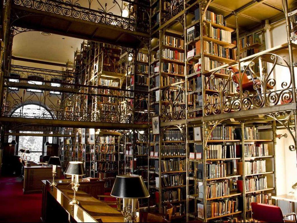 uris-library-interior