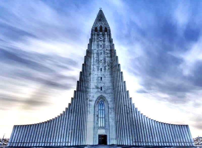 AmazingBuildings-ChurchOfHallgrimurReykjavikIceland
