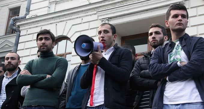 """""""ნუ გავიწყდებათ რომ სტუდენტური თვითმმართველობის ყველა წევრი არის ჩვეულებრივი სტუდენტი და იხდის 2250 ლარს"""""""