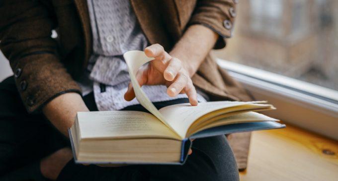 11 საოცარი წიგნი, რომლებმაც დიდი მწერლების გული დაიპყრეს