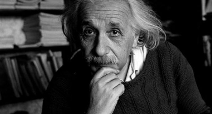 """ალბერტ აინშტაინის ხელნაწერი – """"წერილი ღმერთზე"""" 2,9 მილიონ დოლარად გაიყიდა"""