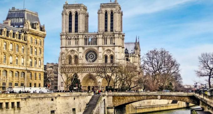 პარიზის ღვთისმშობლის ტაძარი – ისტორია და ნაკლებად ცნობილი ფაქტები