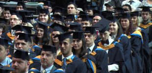 უცხოელ სტუდენტებს სწავლის დასრულების შემდეგ დიდ ბრიტანეთში ორი წლით დარჩენის უფლება ექნებათ