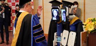 ტოკიოს უნივერსიტეტში გამოსაშვებ საღამოს სტუდენტების ნაცვლად რობოტები დაესწრნენ